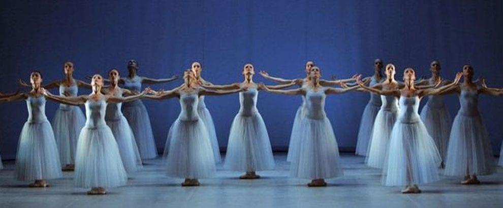 Po sledeh neoklasičnega baleta
