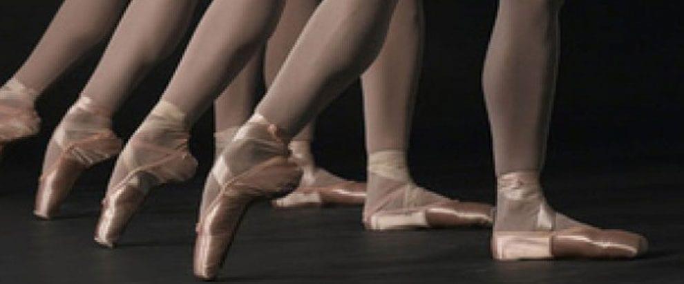Odsev družbenih simptomov v baletni tehniki